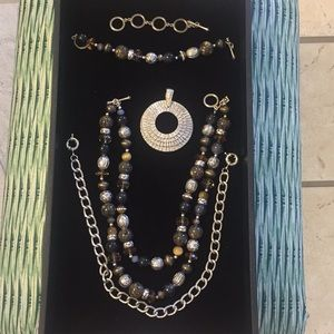 Premier Designs Top Notch necklace